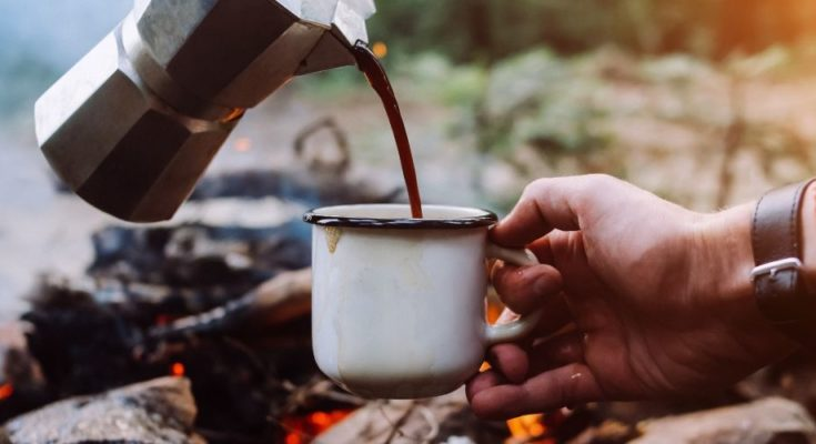 5 Ways to Make Coffee Outdoors This Summer