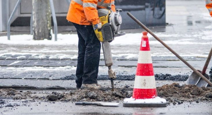 How to Work Safely in Cold Weather