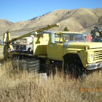 for sale:  Ford 700 service truck 4wd with autocrane