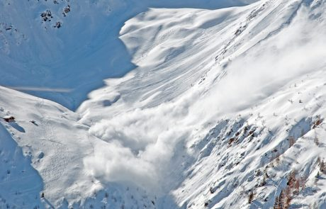 """Avalanche danger """"moderate"""" above 7,500 feet; snowmachines could trigger hard slab"""