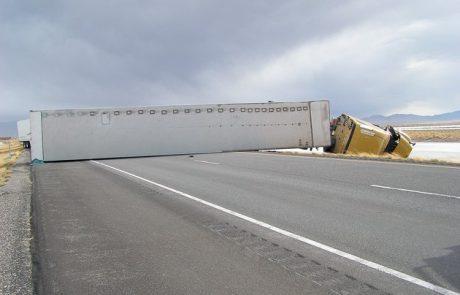 Wyoming sees increase in highway blow-overs